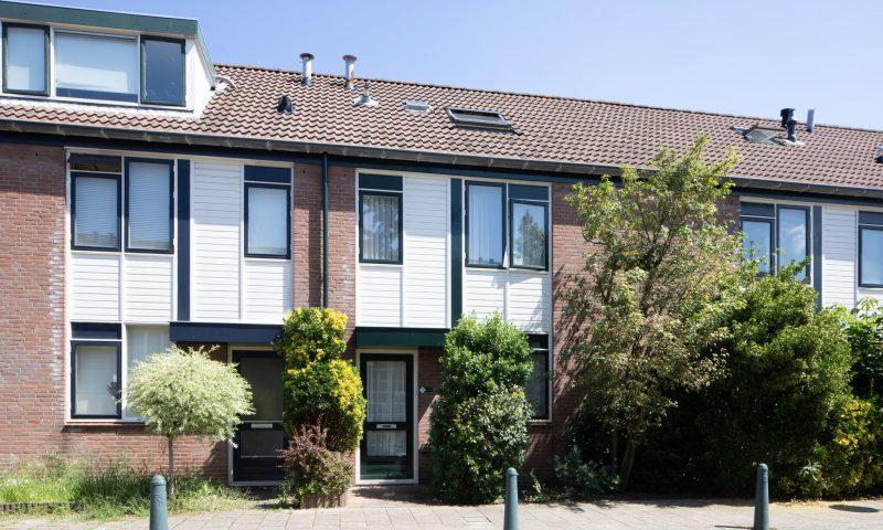Bekijk foto 2 van Dr. R.J. Fruinstraat 9